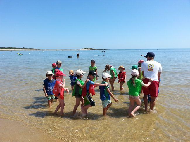 Petite balade les pieds dans l'eau, Club de Plage Mickey du Men-Du La Trinite Sur Mer-Carnac