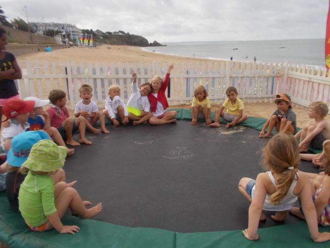 La présentation de l'équipe sur le trampoline