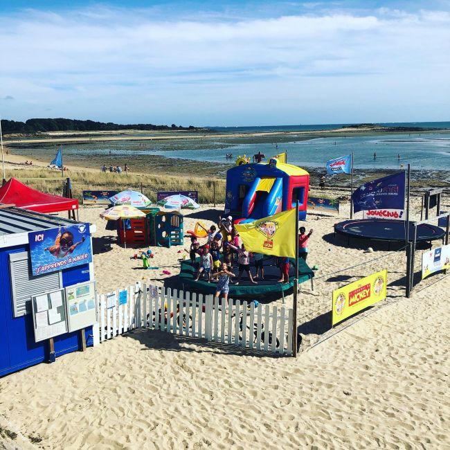 Plage du Men-du La trinité Sur Mer/Carnac bretagne Morbihan. Animations, activité de natation, leçons individuelles, cours particuliers, jeux, cadeaux, enfants, plage, vacances.